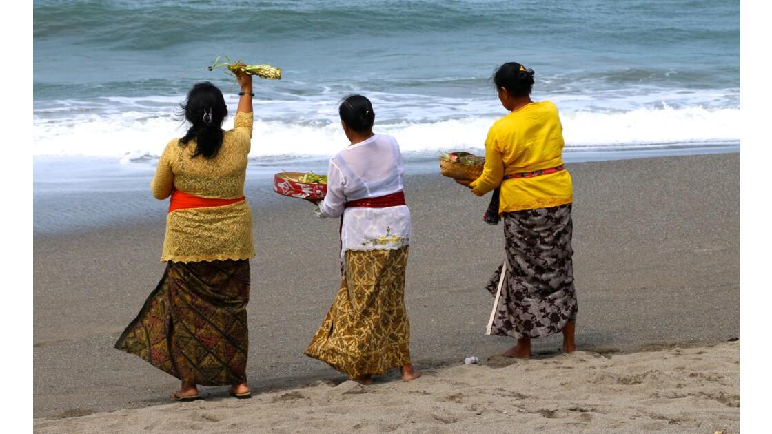 Prêtresses à Bali