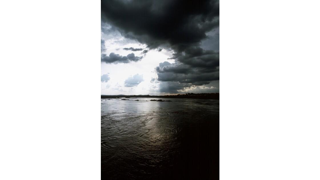 Congo 70 Orage sur le fleuve Congo 2