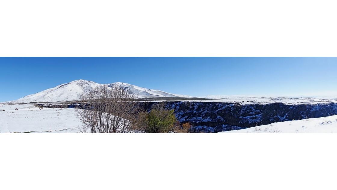 Arménie Les gorges du Kassagh et le Mont Aragats1