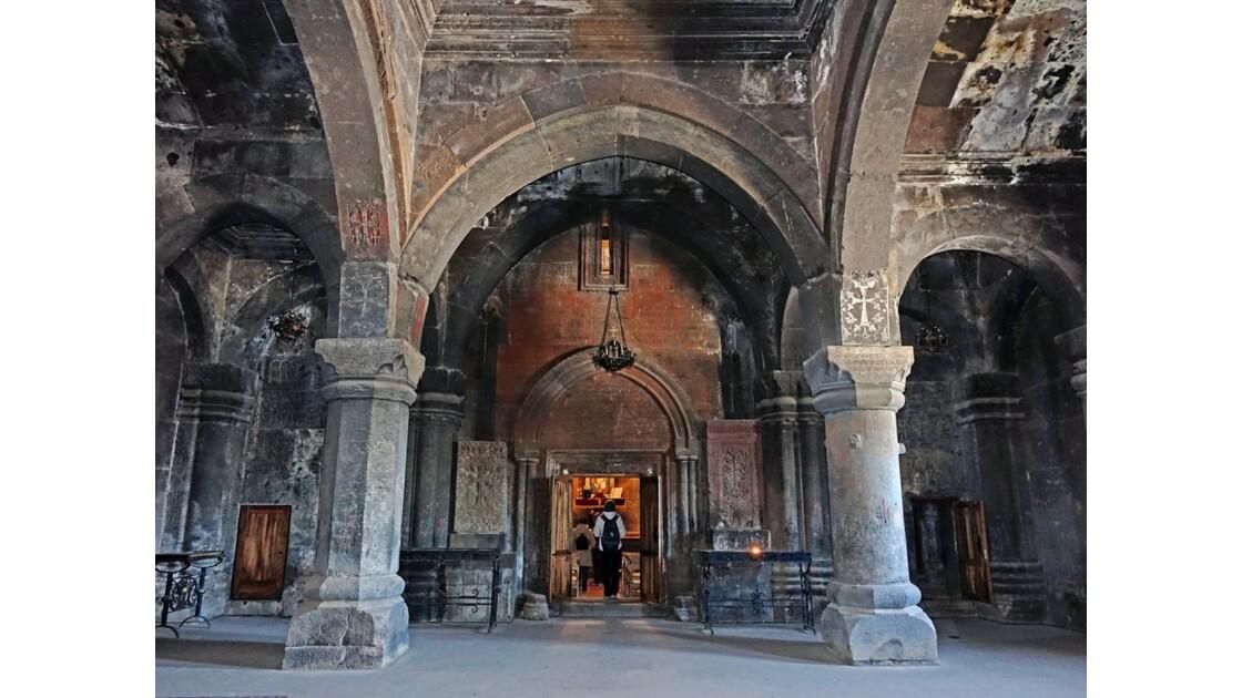 Arménie Monastère Saghmosavank voute du Gavit et Portail de Sourp Sion