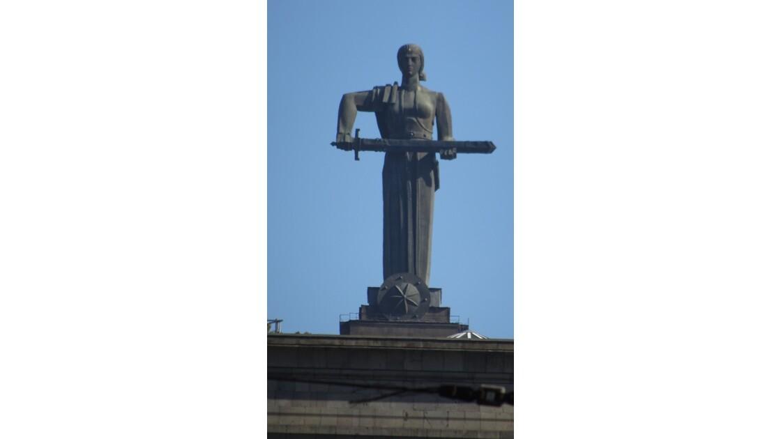Arménie Erevan Statue de Mother Armenia 1