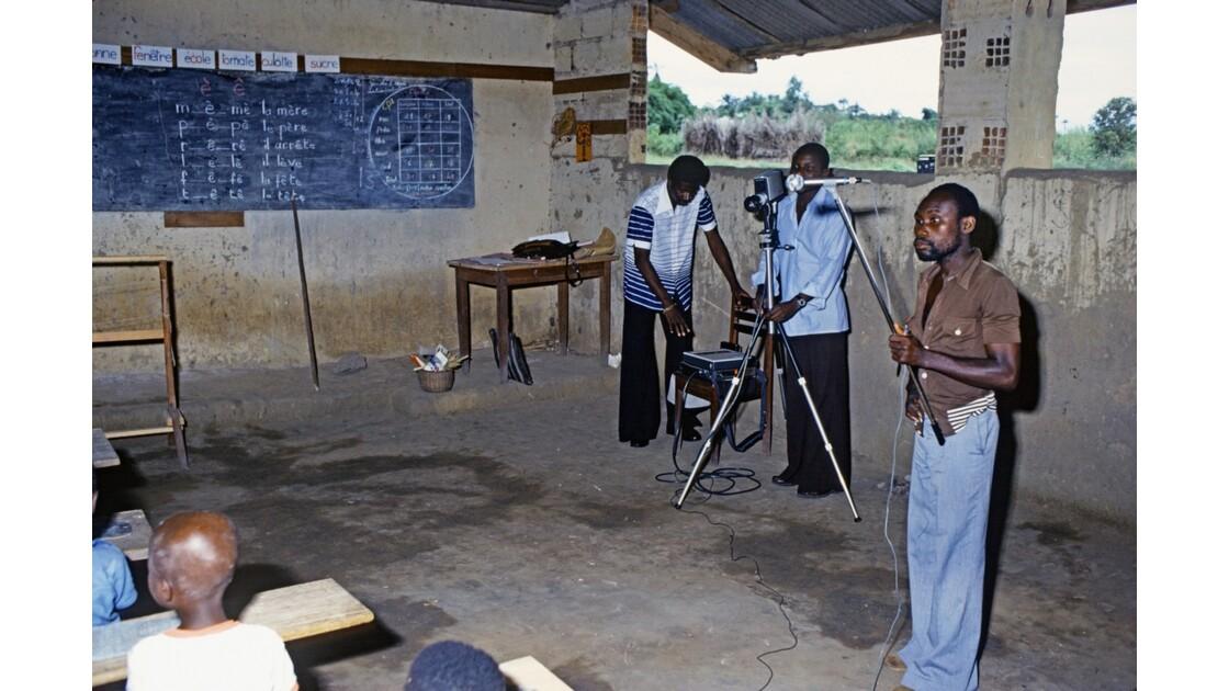 Congo 70 Région du pool Enregistrement d'une émission de TV éducative en Vidéo