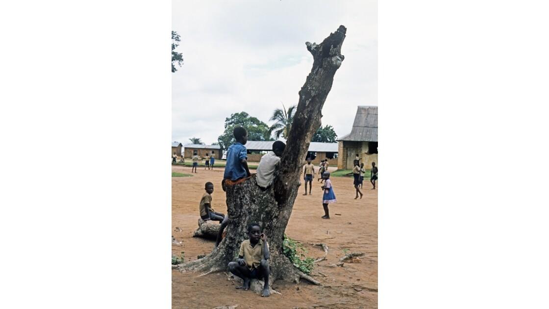 Congo 70 Région du pool L'heure de la récré..