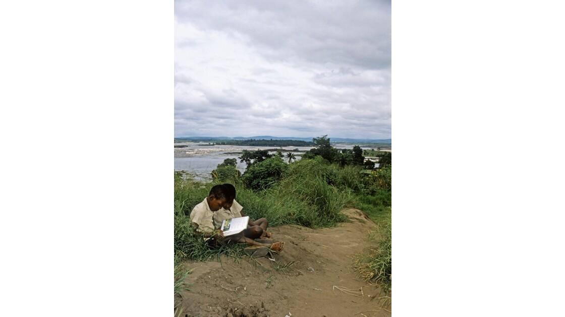 Congo 70 Brazzaville Au bord du fleuve 3