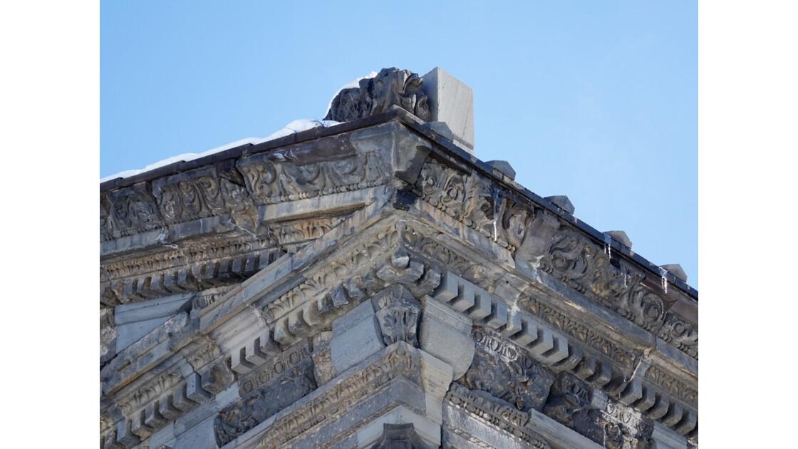 Arménie Garni Le fronton du temple Mithra 1