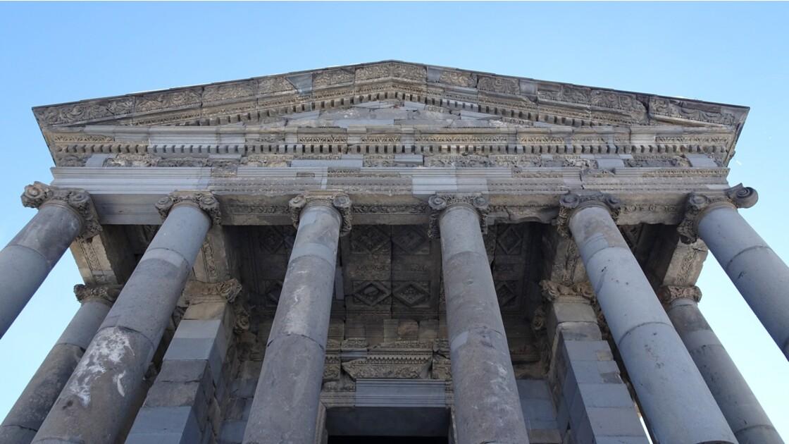 Arménie Garni Le fronton du temple Mithra 2