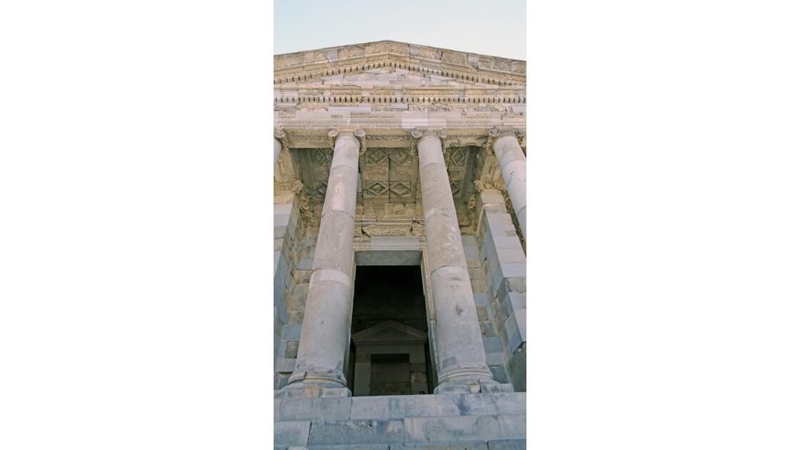 Arménie Garni L'entrée du temple Mithra