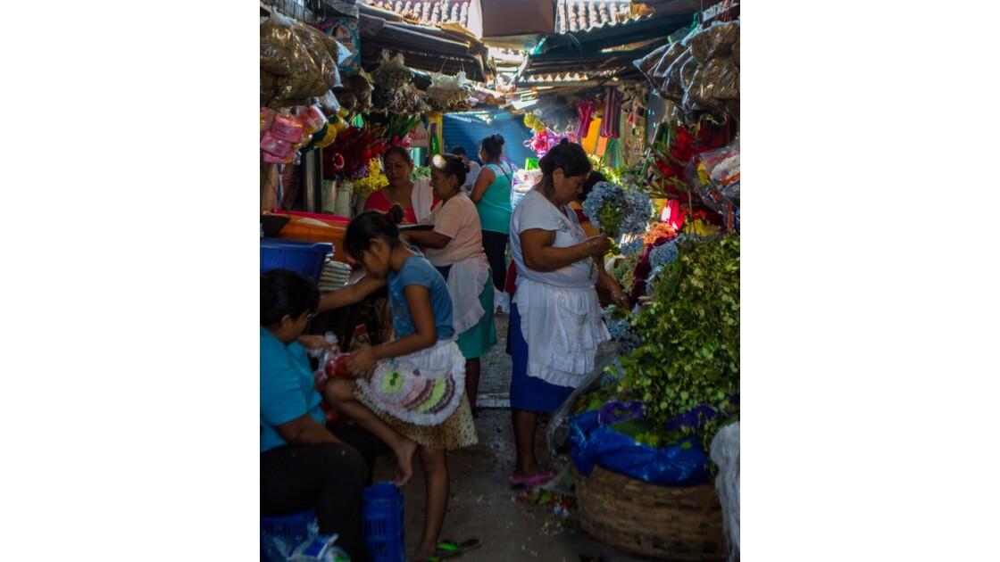 Les marchés toujours très colorés et parfumés