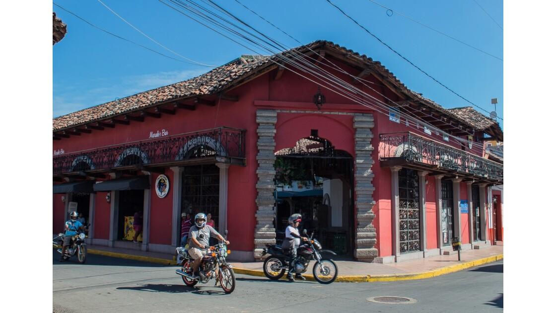 Les principales villes coloniales : Léon et Grenade