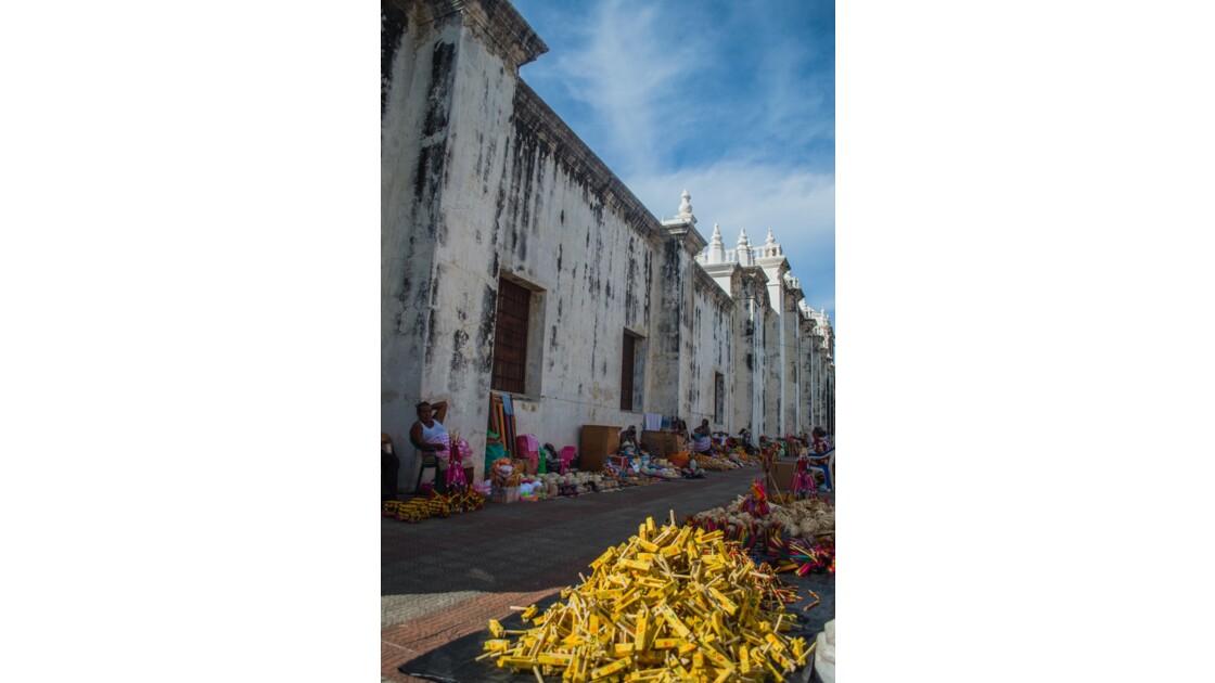 Les villes coloniales principales : Grenade et Léon