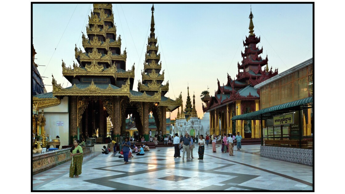 Yangon - Pagode Shwedagon - Nord de la terrasse