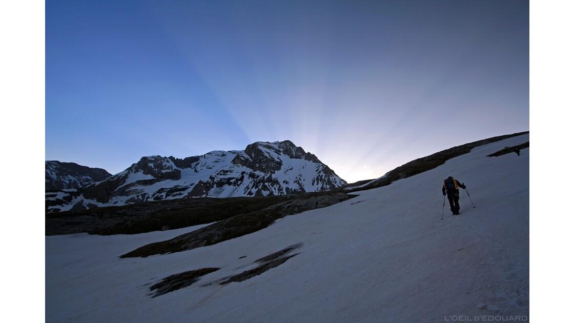 Lever de soleil derrière la Grande Casse
