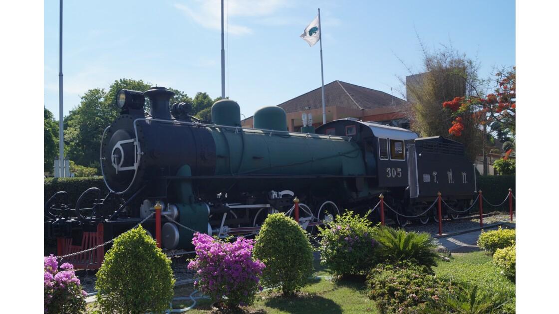 Locomotive 305