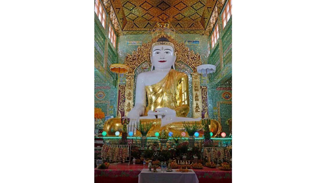 Myanmar Sagaing Bouddha de la pagode Hsun U Ponnya Shin