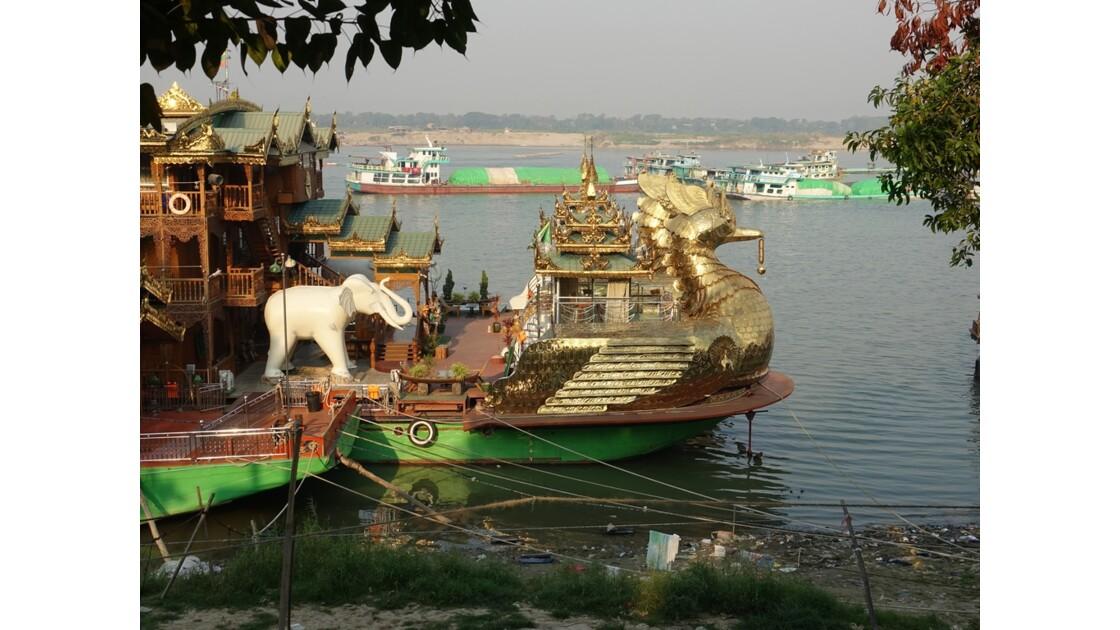 Myanmar Mandalay Le bateau royal de croisière 3