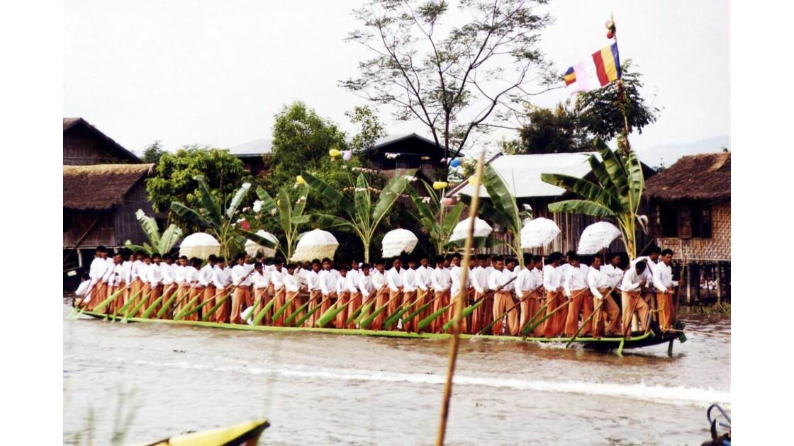 Festival de Phaung Daw Oo.