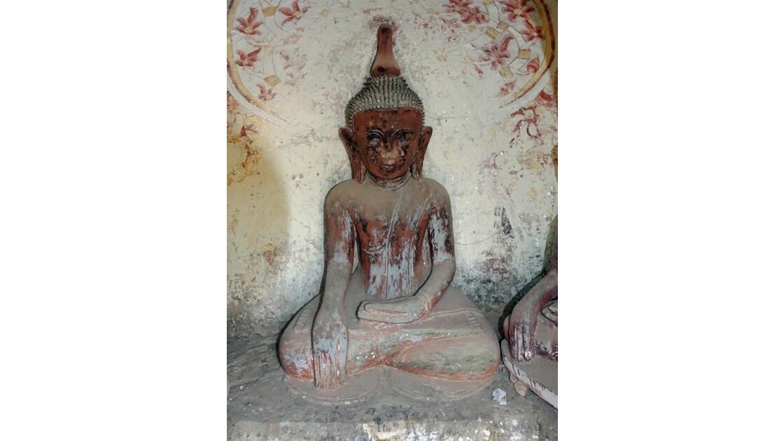 Myanmar Les bouddhas de Po Win Taung 2
