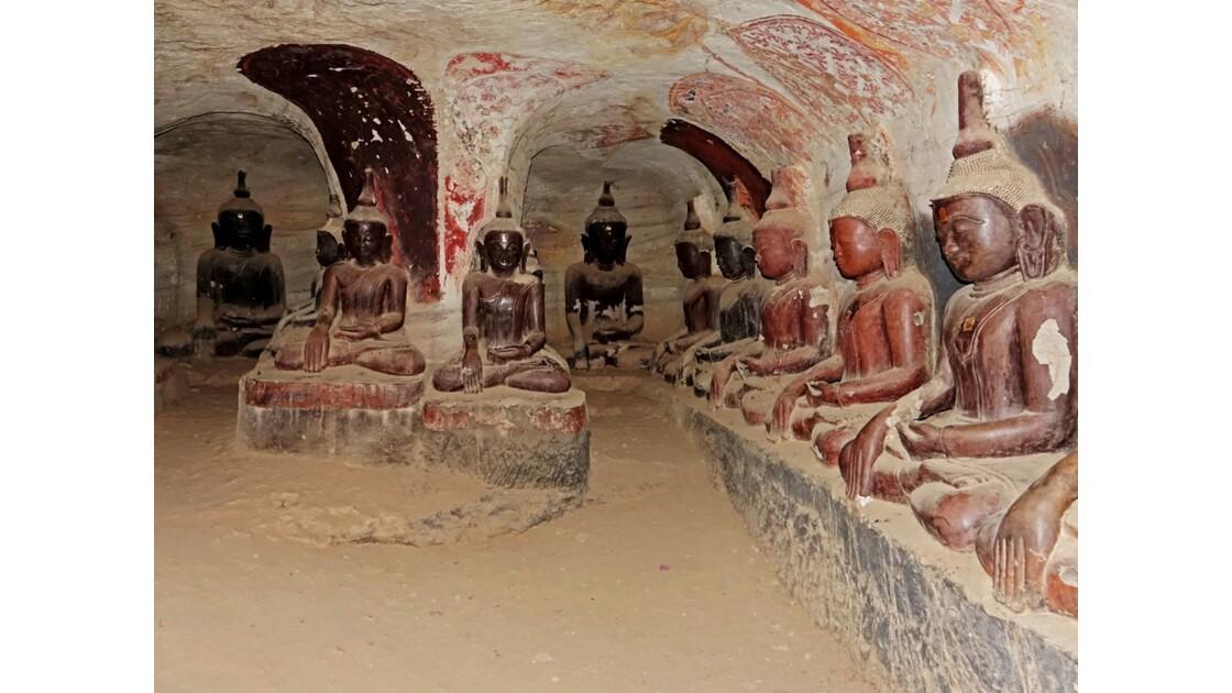 Myanmar Les bouddhas de Po Win Taung 9
