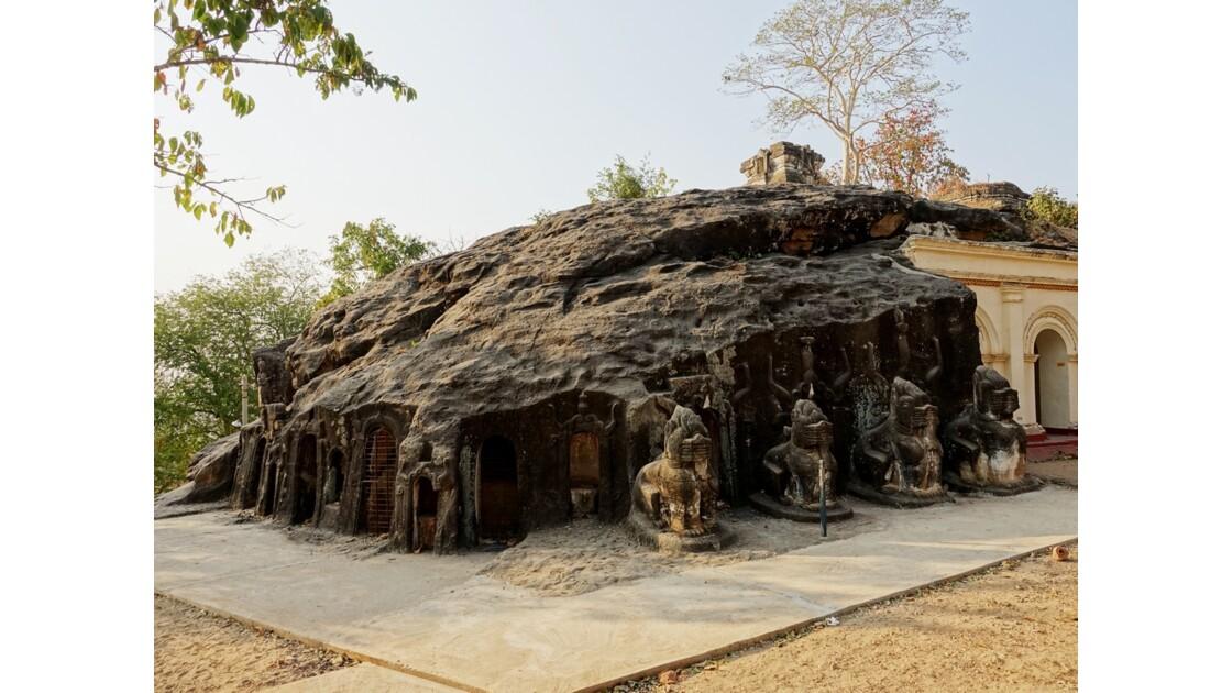Myanmar Po Win Taung Temple excavé 1