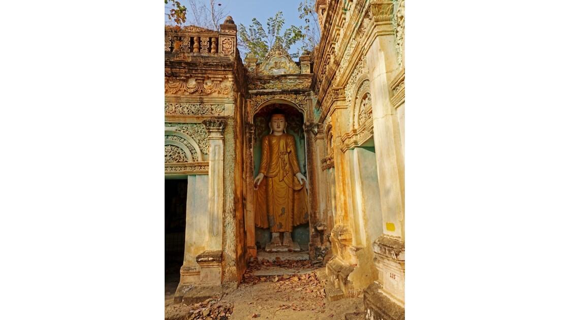 Myanmar Po Win Taung Temple excavé époque coloniale 2
