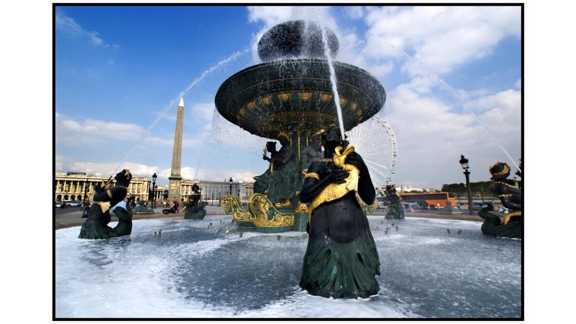 Paris - Fontaines de la place de la Concorde