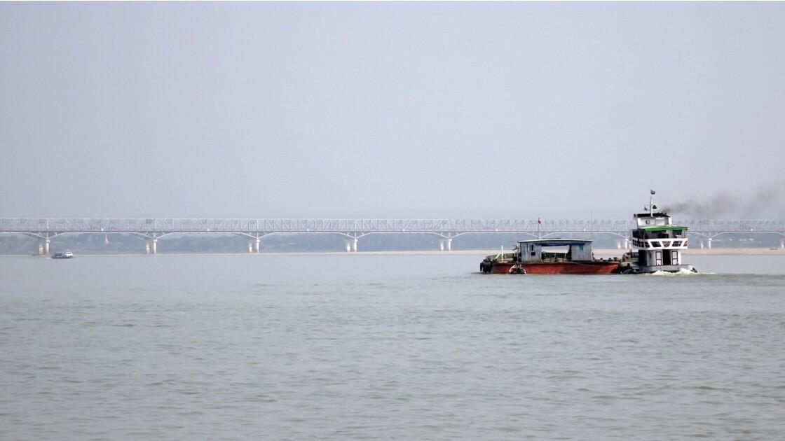 Myanmar Sur le fleuve Irrawaddy 1