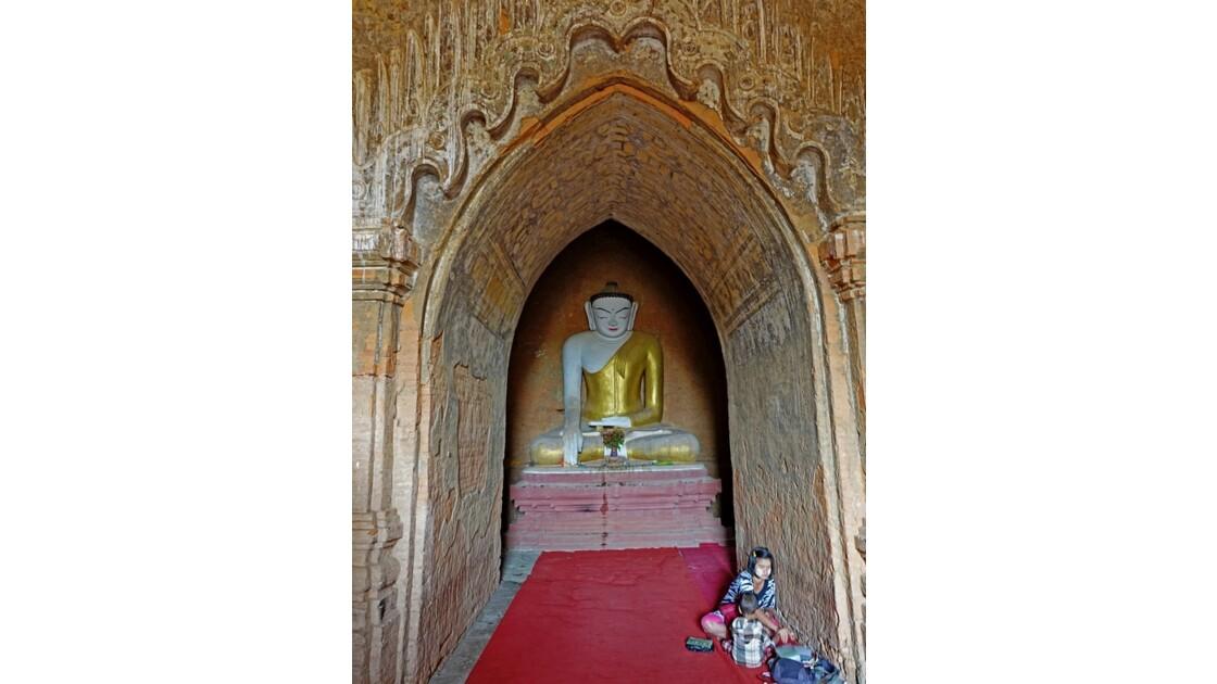 Myanmar Bagan  Temple de Thitsarwadi 1
