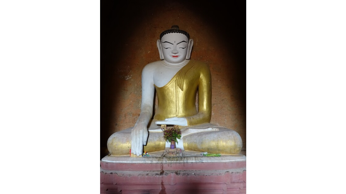 Myanmar Bagan  Temple de Thitsarwadi 2