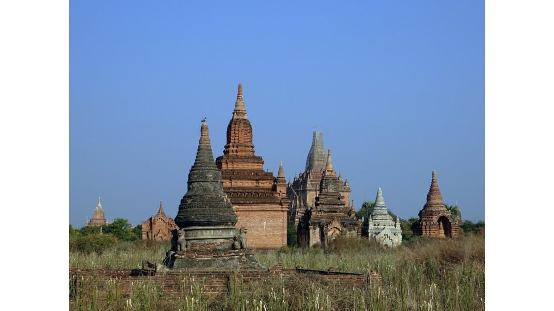 Myanmar Temples et pagodes dans Old Bagan 3