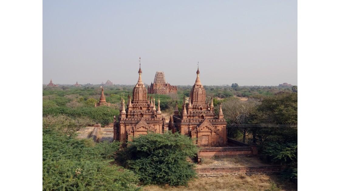 Myanmar Bagan Autour de la pagode Dhamma Yazika 4