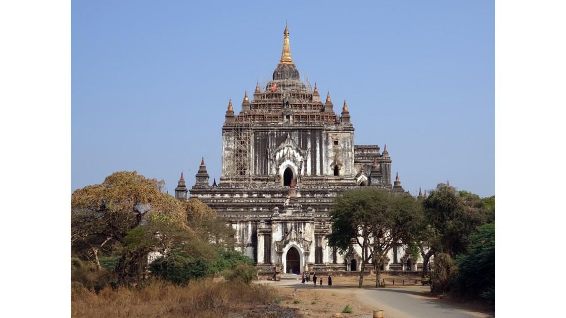 Myanmar BaganTemple de Thatbyinnyu 1