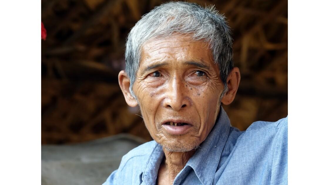 Myanmar Bagan Vieux papa de Minnanthu