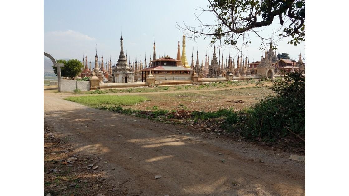 Myanmar Sagar Pagodes de Takhaung 10