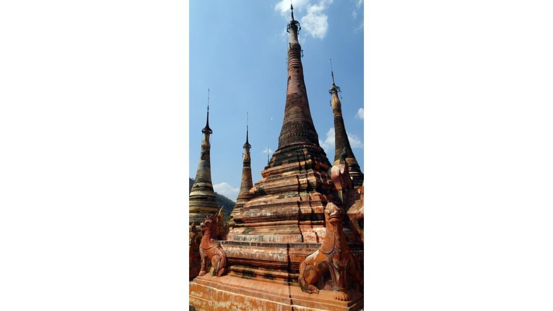 Myanmar Sagar Pagodes de Takhaung 17
