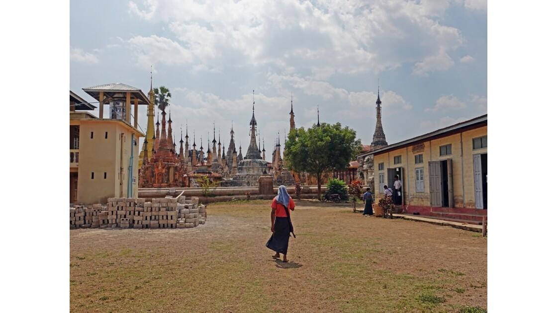 Myanmar Sagar Pagodes de Takhaung 18