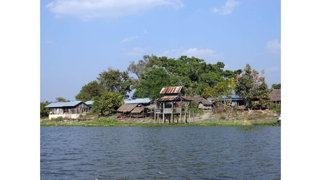 Myanmar Canal entre le lac Sagar et le lac Inlé 1