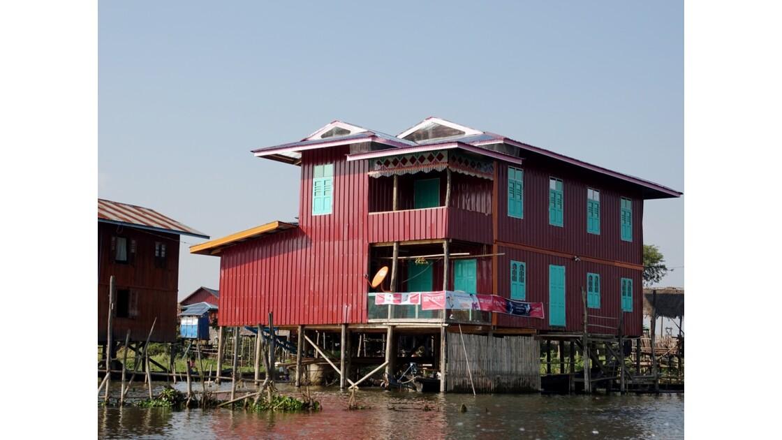 Myanmar Canal entre le lac Sagar et le lac Inlé 12