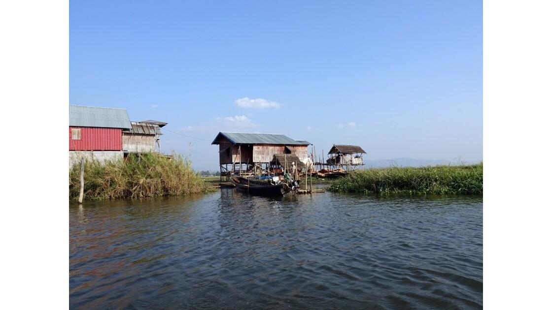 Myanmar Canal entre le lac Sagar et le lac Inlé 25