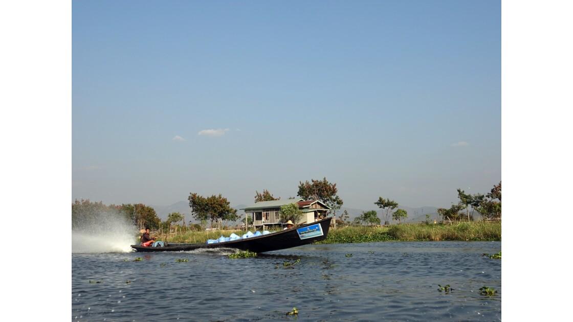 Myanmar Canal entre le lac Sagar et le lac Inlé 29