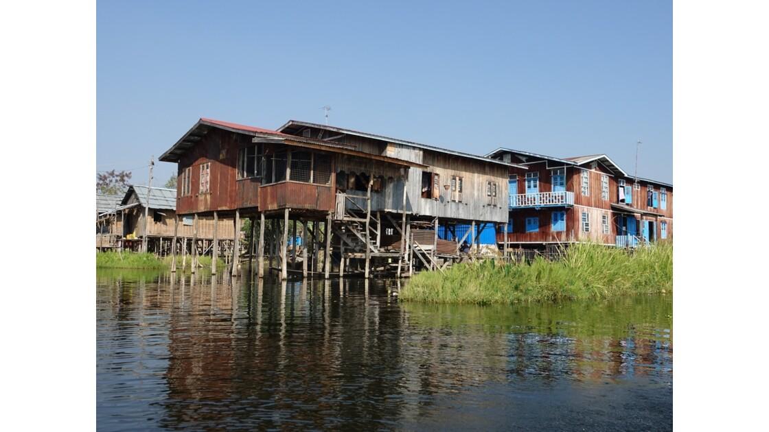 Myanmar Lac Inlé Sur les canaux de Nampan 2