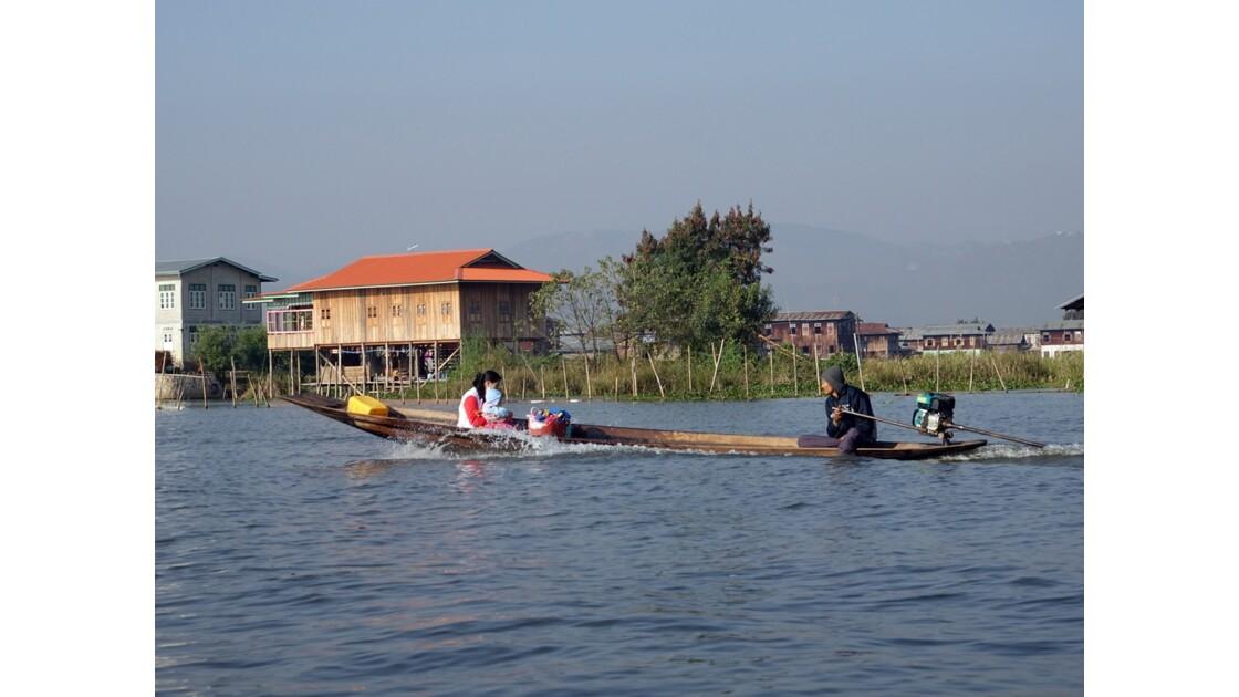 Myanmar Lac Inlé Vers Inpawkhon 3