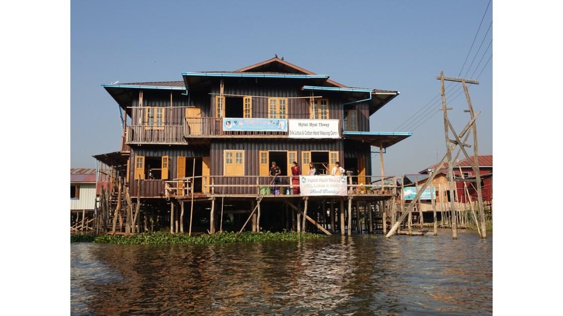 Myanmar Lac Inlé Inpawkhon 1