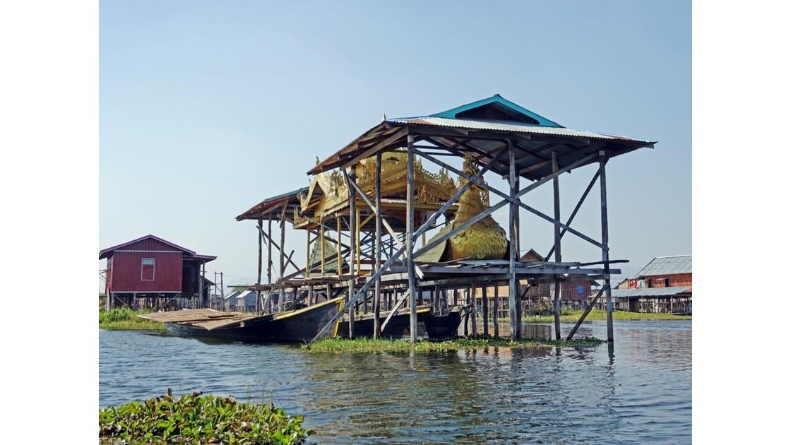 Myanmar lac Inlé Bateau royal 2