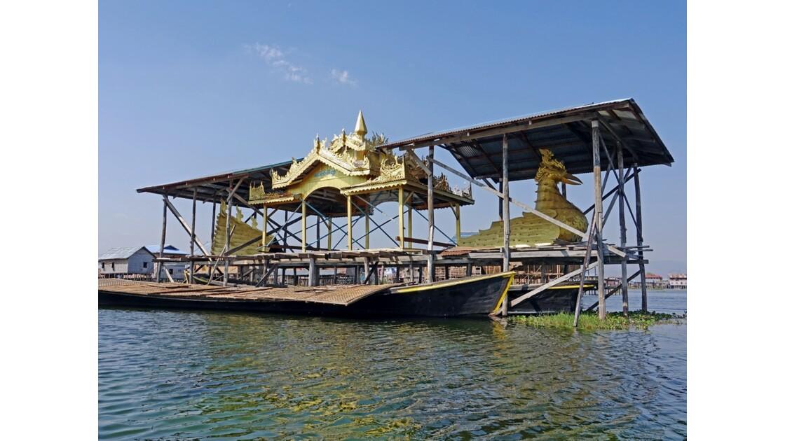 Myanmar lac Inlé Bateau royal 3