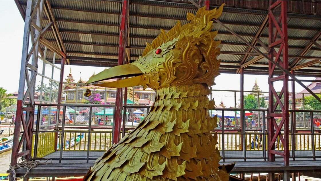 Myanmar Lac Inlé Pagode Phaung Daw Oo Bateau Royal 3