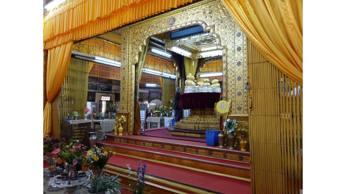 Myanmar Lac Inlé Pagode Phaung Daw Oo le sanctuaire 3