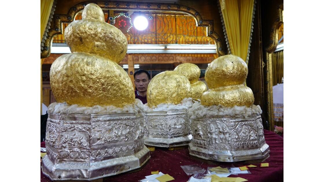 Myanmar Lac Inlé Pagode Phaung Daw Oo les 5 bouddhas 2