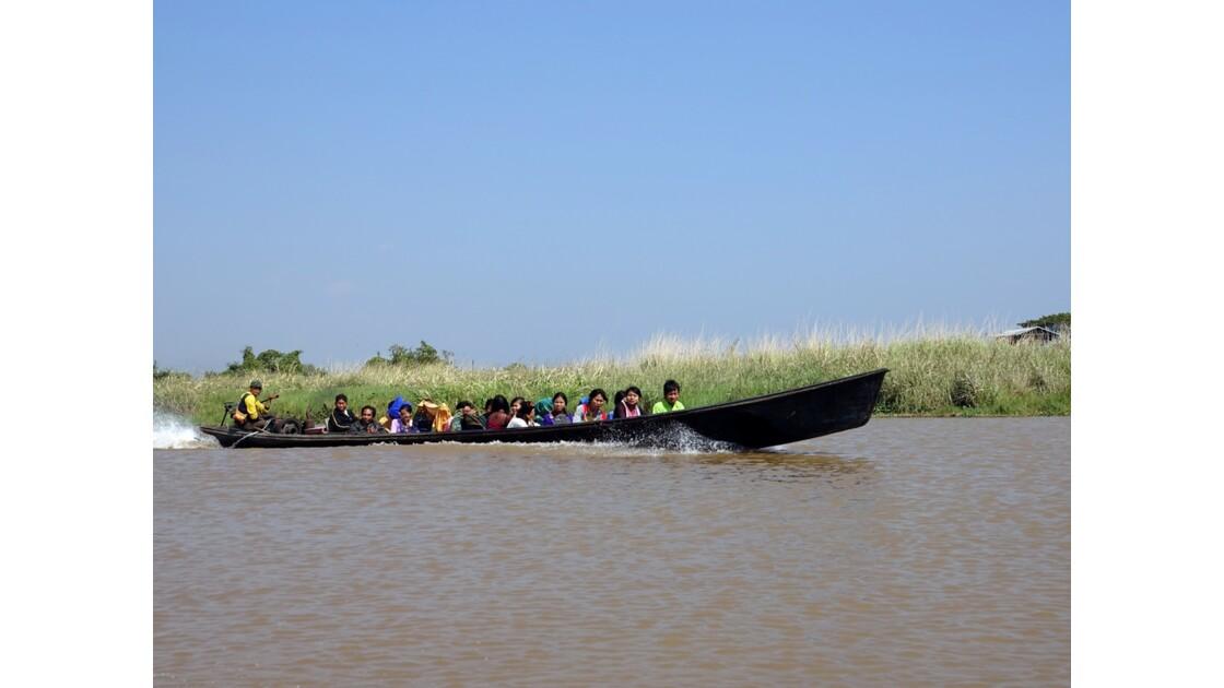 Myanmar Lac Inlé Vers la Pagode Phaung Daw Oo 1