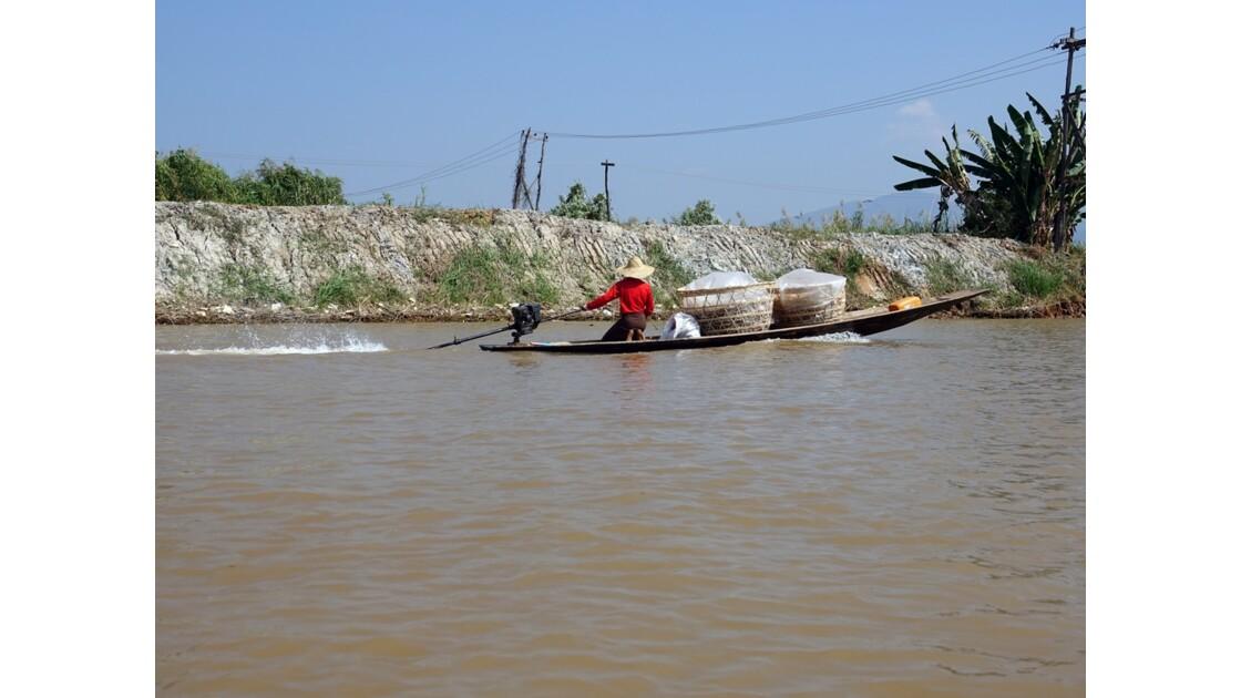 Myanmar Lac Inlé Vers la Pagode Phaung Daw Oo 3