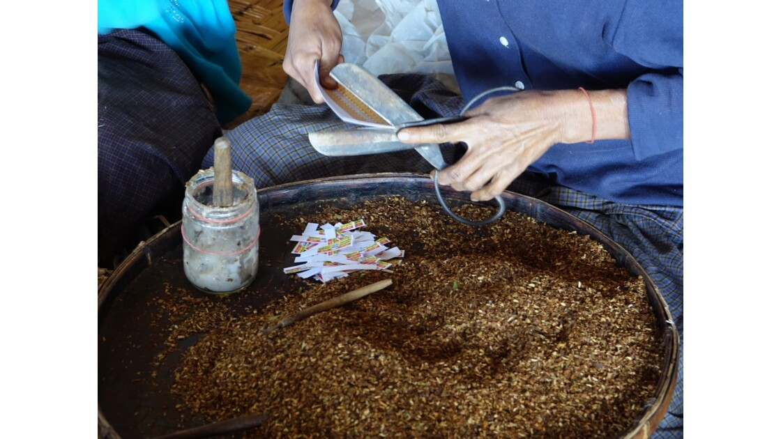 Myanmar lac Inlé Nampan Fabrique de cheerots 3